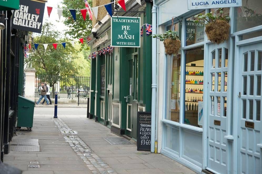 Greenwich charming shops-1